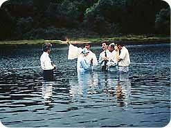 14. 終わりの時の真の教会を見いだした人は、その教会員になるべきでしょうか?